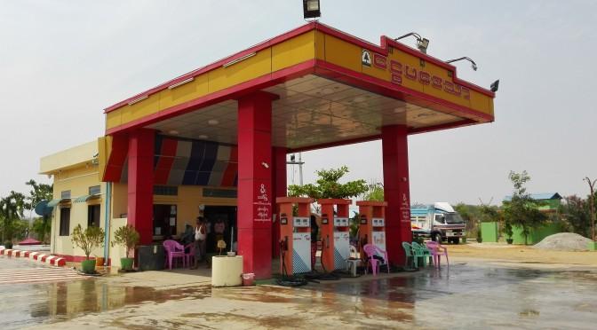 Les benzineres a Birmània