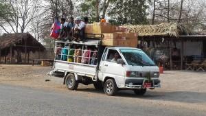 Transport de mercaderies. Son persones??? Son una altra mercaderia.