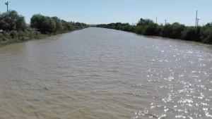 I al mig del desert… un bon canal d' aigua