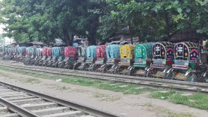 Chittagong, tots a punt per envair tots els carrers i contribuir al malson circulatori