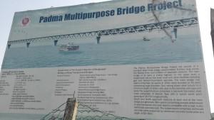Un impressionant pont per un impressionant riu. Quin mega projecte!