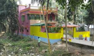 Cases coloristes properes a la frontera amb Bangladesh
