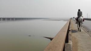 Es pot passar el gran riu Son a cavall, si tens un bon pont amb aigua sota, o ...