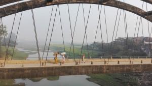 Veïns creuant un pont a Durgawati