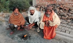 Escalfant-se entre amics a Durgawati