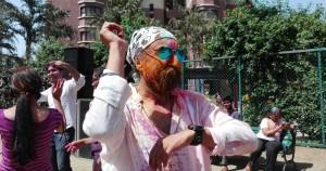 Feliç Holi ! Happy Holi ! La vida i una festassa de color dins una Índia ja de per sí ben colorista