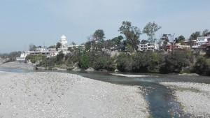 Paonta Sahib des del pont sobre el riu Yamuna