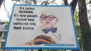 Es diu LLEGIR. És com les persones instal·len nou software dins els seus cervells