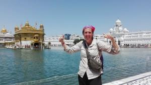 Jenn acaba aquí la seva caminada a través d'Índia. Així de contenta i satisfeta està i és que no és per menys!