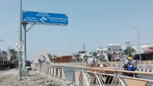Cartell sortida d'Amritsar. La frontera d' Attari amb Pakistan ja està a tocar
