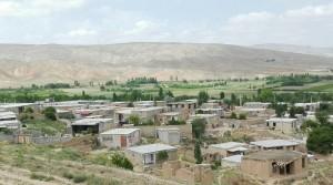 Poblet de Qarlagh, entre Shirvan i Bojnord