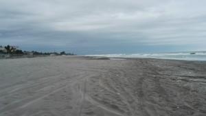 Gran platja, deserta pel mal temps