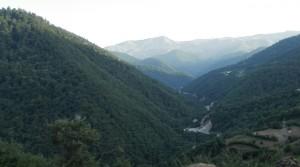 Quan podem fer una escapada motoritzada per dins les grans muntanyes i arribem al poblet d'Ardeh, gaudim d'un aire fresc, pur i unes vistes com aquestes