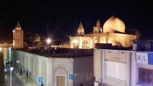 Església armènia de nit