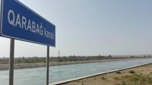 Després de molts quilòmetres, em torno a trobar l'impressionant obra com és el canal Yuxari Karabag
