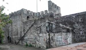 Raconet de la muralla perdut pel casc antic pendent de recuperar
