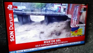 El mal temps no és broma. A Rize, no gaire lluny d'on som i ciutat que vàrem passar fa poc, ara tenen importants inundacions i greus problemes