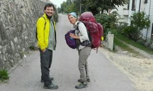 Jenn amb Enes, el nostre bon amic que avui camina amb nosaltres més de 20 quilòmetres. Benvingut Enes!