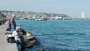 Pescadors al passeig marítim