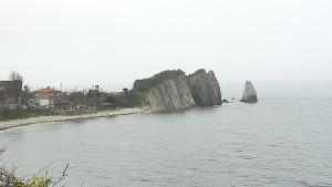 Les 4 cases que formen Haciveli, just abans d'Abana, ofereixen aquest detall natural