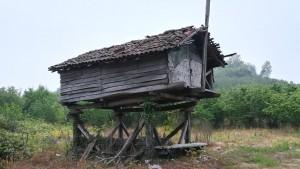 Antic rebost o magatzem de menjar
