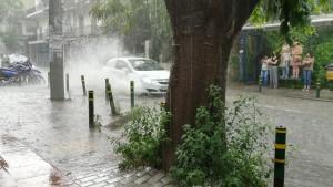 Tessalònica, pluja tropical gairebé monzònica