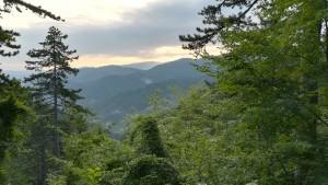 Fent-se de dia dins les muntanyes