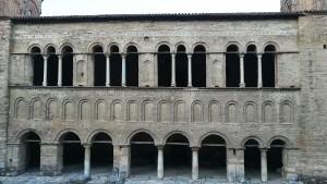 Antiga, bonica i austera façana