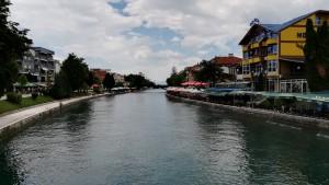 Struga, riu Crn mirant al sud, al llac Ohrid