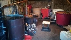 Tot un senyor equipament per elaborar molts litres de rakia