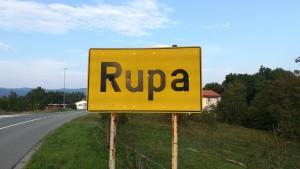 Finalment arribem a Rupa! Aquest és el final de la nostra ruta a peu per Croàcia