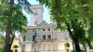Castellet al parc de l'Orangerie de Lunel-Viel