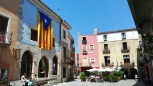 Castelló d'Empúries, plaça del centre