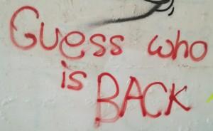 Guess who is back? WE are back! WE are back! //// Adivina qui ha tornat? Nosaltres hem tornat! Nosaltres hem tornat!