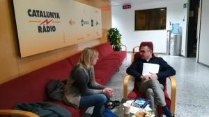 L'entrevista a La Nit dels Ignorants de Catalunya Ràdio. En Xavier ens rep poc abans de sortir en antena per, molt cordialment, parlar del plantejament del programa